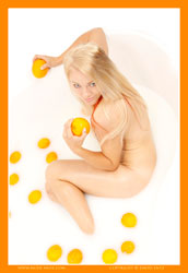 harper orange bath