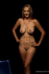 tiffani nude figure