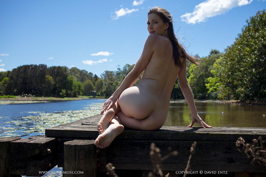 Busty amatuer nude